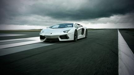 Lamborghini Aventador LP 700-4 in motion