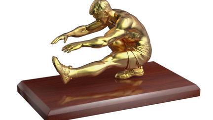 Golden figure 03