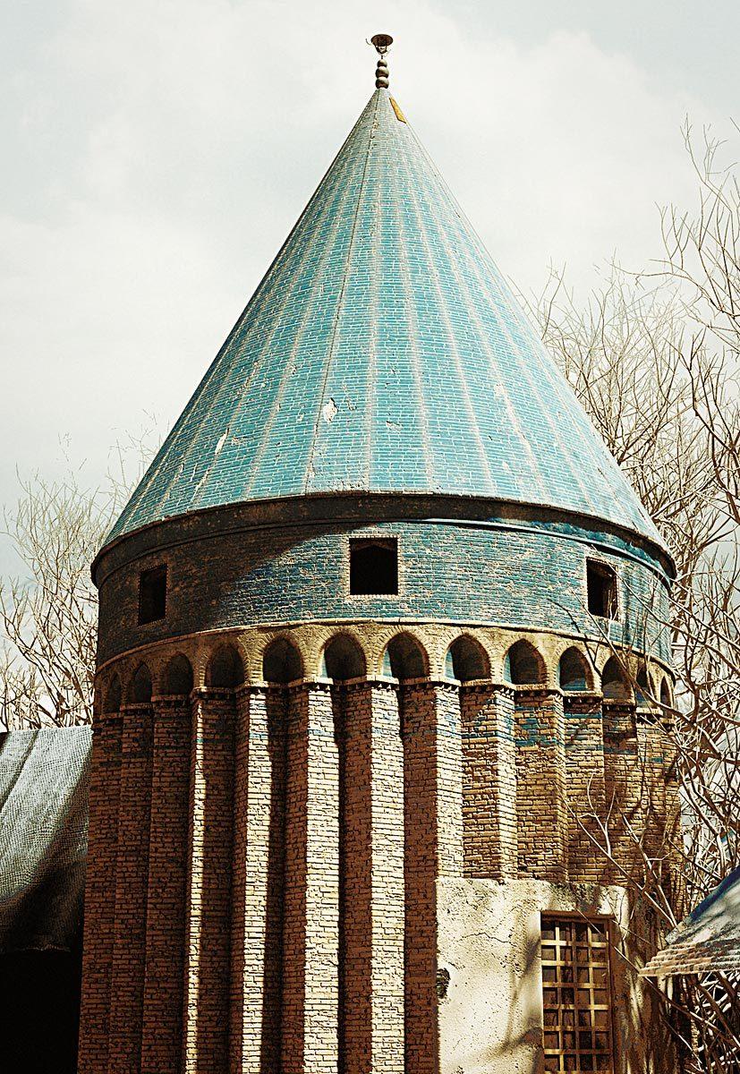 Vrexplorer damavand tomb tower 1 011c6612 f7jv